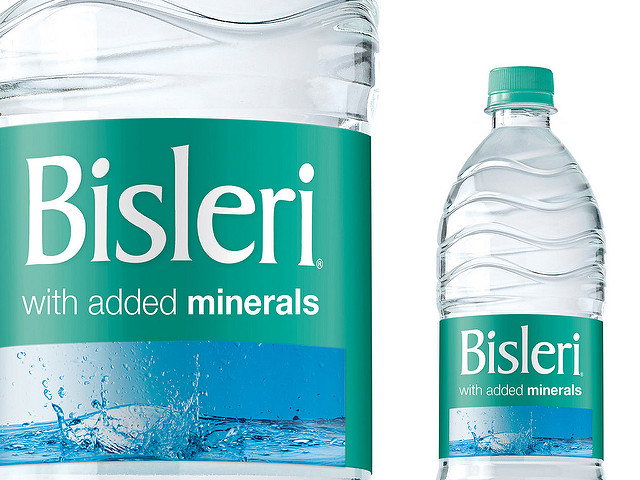 bisleri water bottle